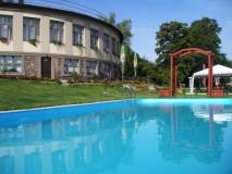 hotel-s-bazenem